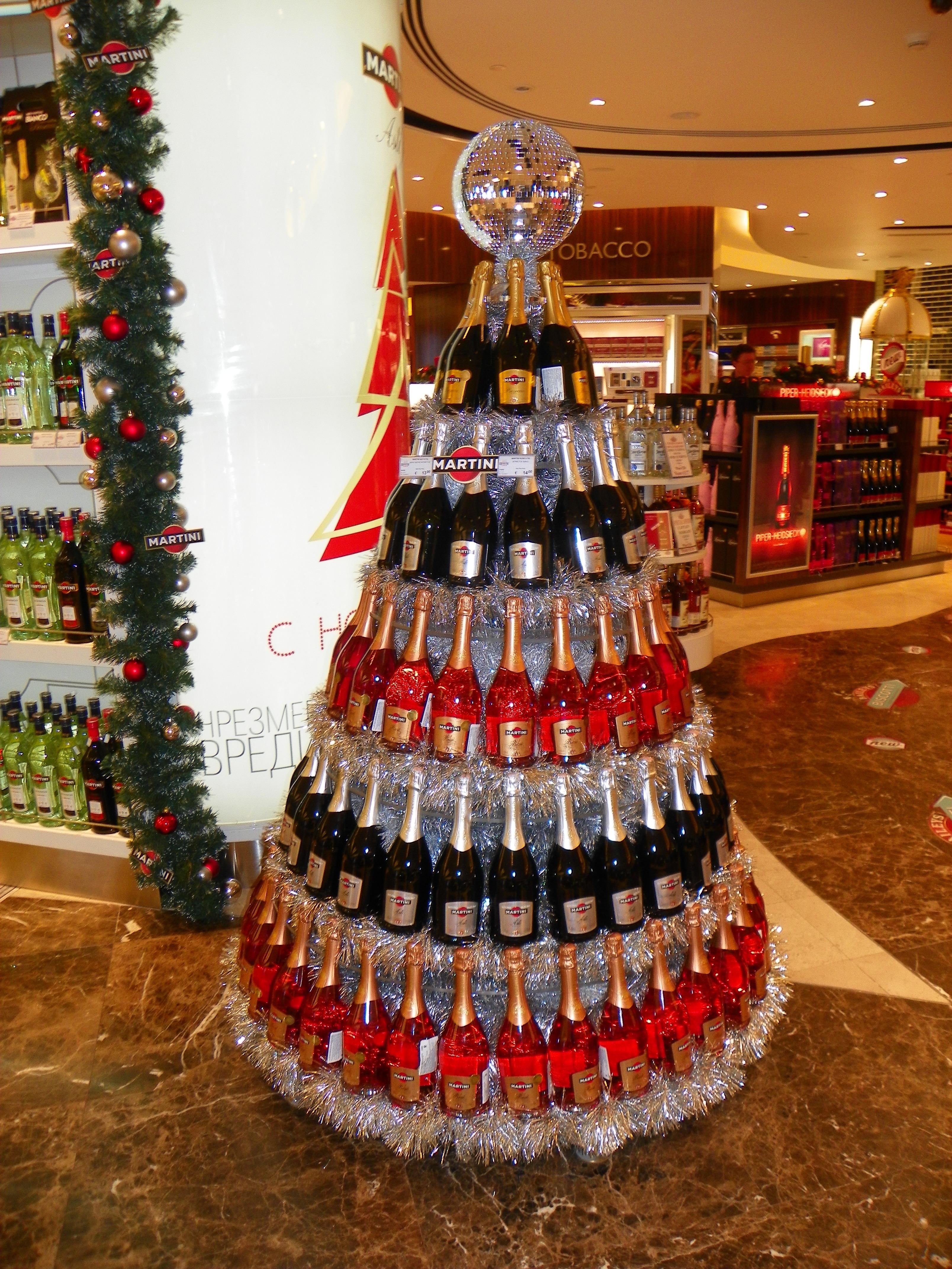 POS Merchandise – Bottle Christmas tree by Martini