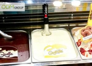 Branded ice cream scoop