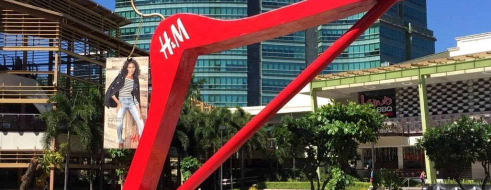 Outdoor Advertising - A masterclass by H&M