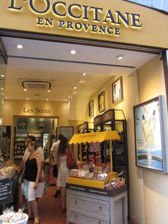 Bicycle POS Display – L'Occitane Promotional Strategy 5