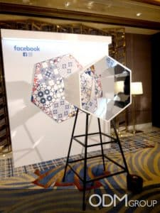 Kaleidoscope Display Promotes Social Media Sharing