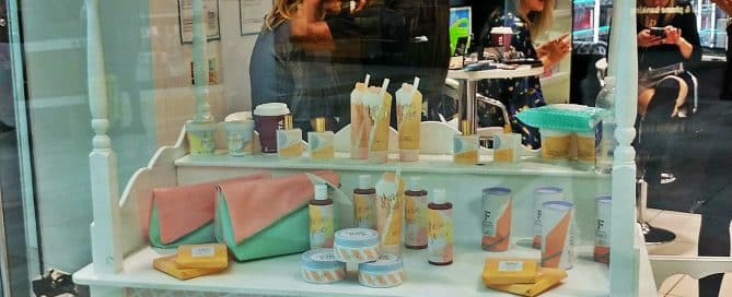 Unique Cosmetics POS Display to Boost Brand Visibility
