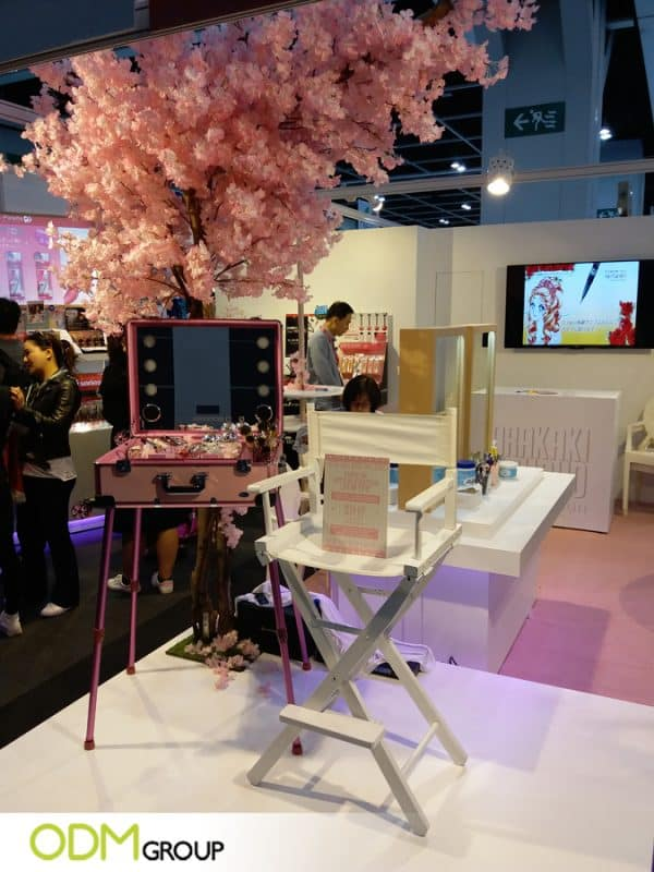 Unique Trade Show Marketing Idea Cosmetics Video POS Display
