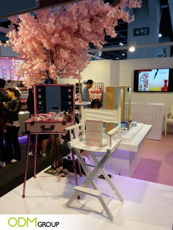 Unique Trade Show Marketing Idea Cosmetics Video POS Display