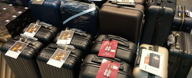 Why Custom Luggage Bags Are Ideal Gift With Purchase for Drinks Promos