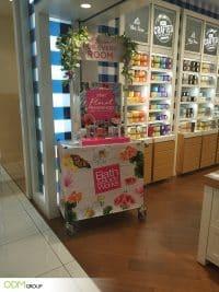 Eye-Catching POS Fragrance Display by Bath & Body Works