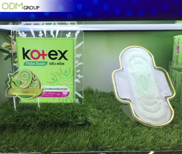 Utilizing LED Custom Display By Kotex And More To Spark Curiosity (2)