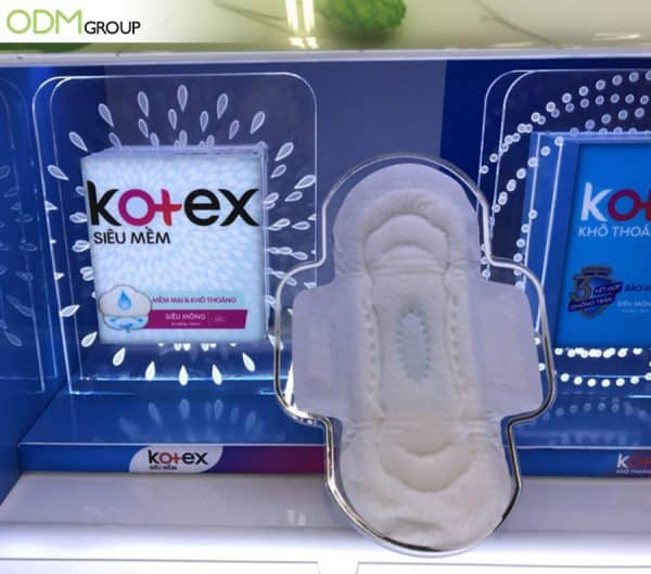 Utilizing LED Custom Display By Kotex And More To Spark Curiosity (3)