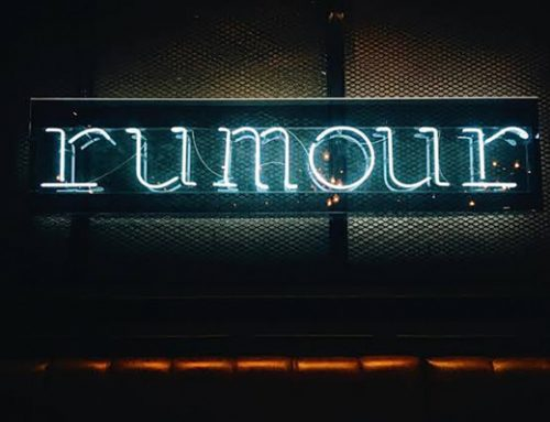 Custom Neon Signage Draws Attention To A Bar in Asia