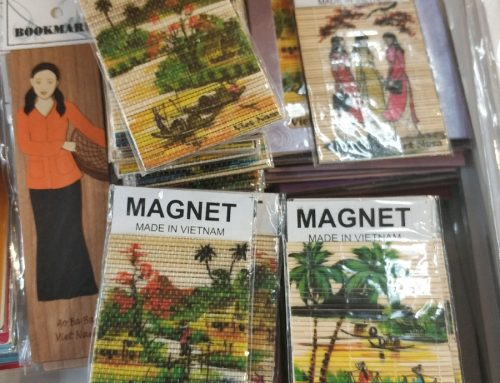 Entice Travellers with these Promotional Souvenirs